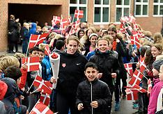 20170407 Skole OL - Sara Slott Petersen løber Skole OL flammen til Holme Skole i Aarhus