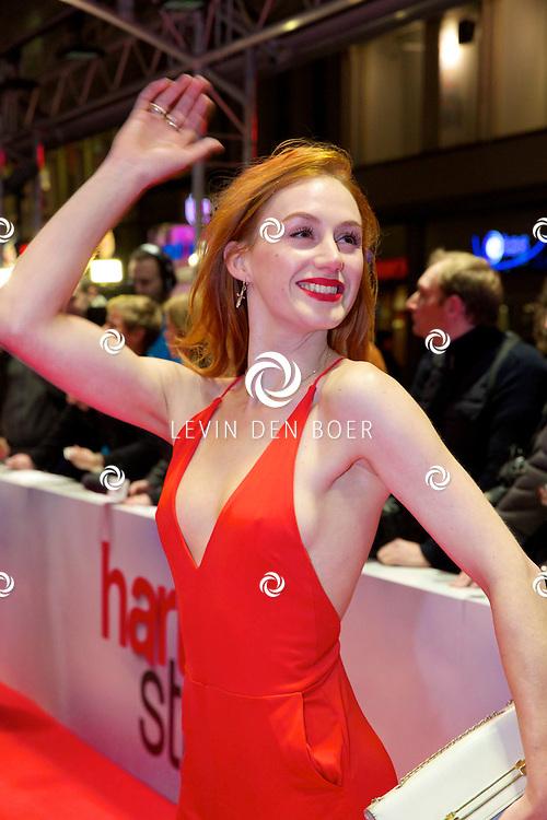 AMSTERDAM - In het Tuschinski theater is de nieuwe Nederlandse film 'Harten Straat' in premiere gegaan. Met op de rode loper   Eva Bartels. FOTO LEVIN DEN BOER - PERSFOTO.NU