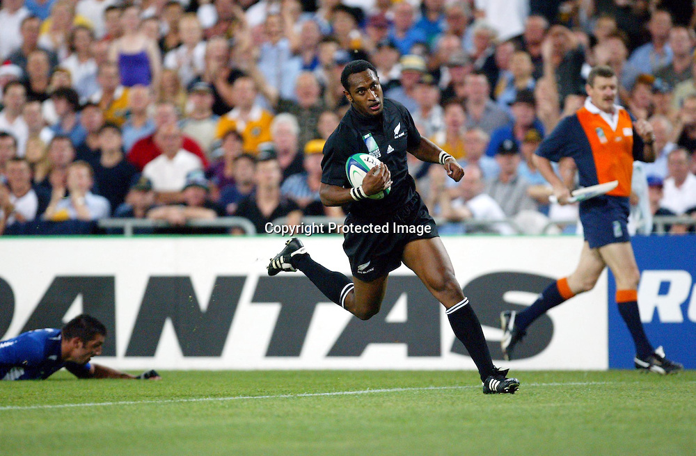 20 November 2003, Rugby Union World Cup, Telstra Stadium, Sydney, Australia. 3rd/4th Playoff, New Zealand vs France. <br />