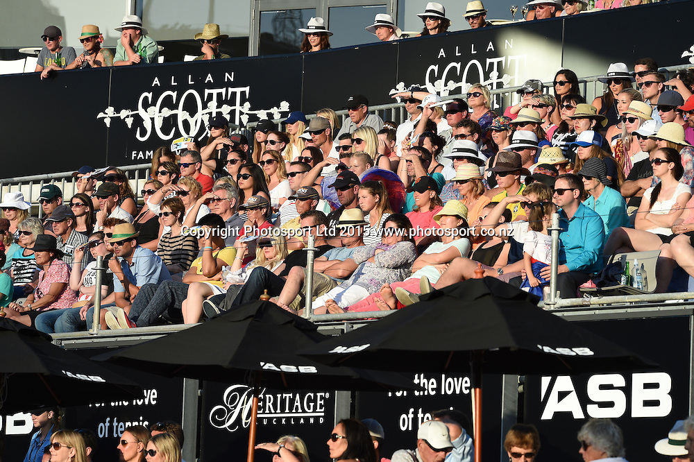 Tennis fans on Quarter Finals day at the ASB Classic WTA International. ASB Tennis Centre, Auckland, New Zealand. Thursday 8 January 2015. Copyright photo: Andrew Cornaga/www.photosport.co.nz