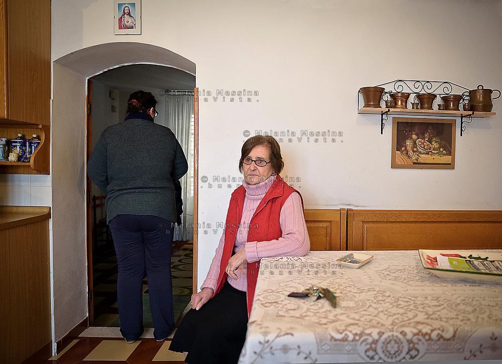 Mezzojuso, Sicily: Gina mamma delle sorelle Napoli vittime della mafia dei pascoli.<br /> Mezzojuso, Sicily: Gina, mother of Napoli sisters  struggling against &quot;cattle mafia&quot;.