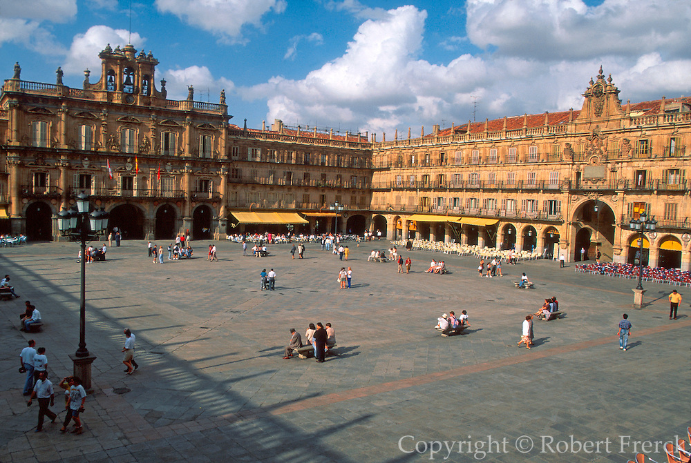 SPAIN, CASTILE, SALAMANCA Plaza Mayor; social life and cafes