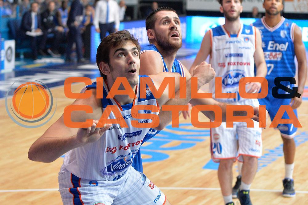 DESCRIZIONE : Cantu, Lega A 2015-16 Acqua Vitasnella Cantu' Enel Brindisi<br /> GIOCATORE : Amedeo Tessitori<br /> CATEGORIA : Tagliafuori<br /> SQUADRA : Acqua Vitasnella Cantu'<br /> EVENTO : Campionato Lega A 2015-2016<br /> GARA : Acqua Vitasnella Cantu' Enel Brindisi<br /> DATA : 31/10/2015<br /> SPORT : Pallacanestro <br /> AUTORE : Agenzia Ciamillo-Castoria/I.Mancini<br /> Galleria : Lega Basket A 2015-2016  <br /> Fotonotizia : Cantu'  Lega A 2015-16 Acqua Vitasnella Cantu'  Enel Brindisi<br /> Predefinita :