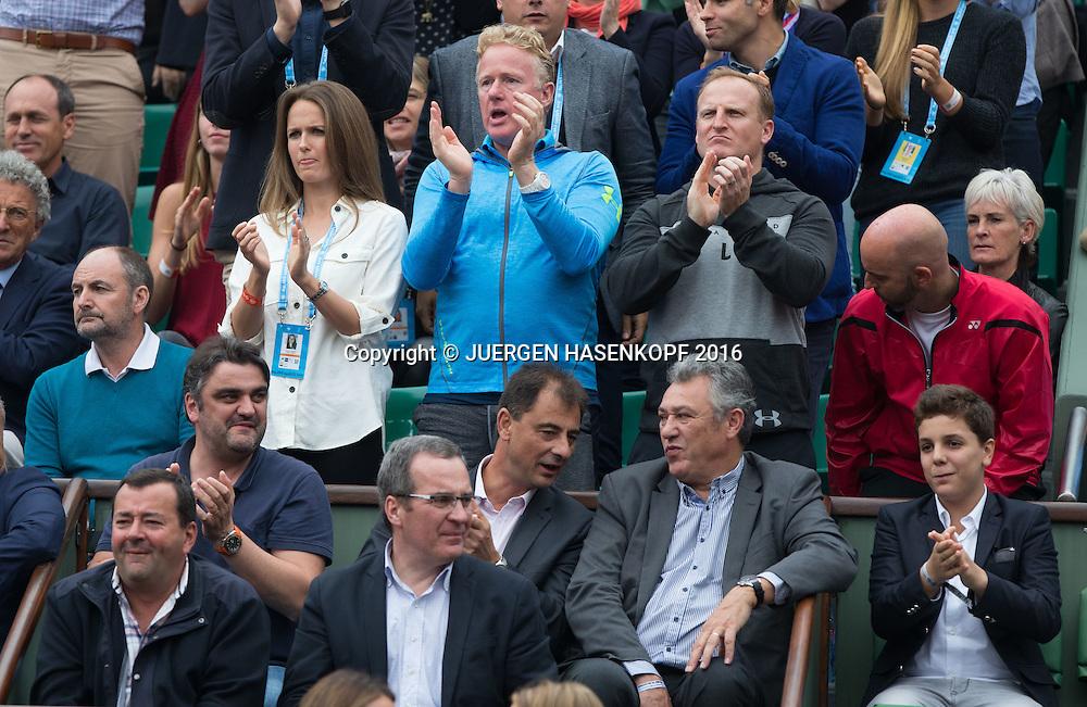 Andy Murray Team in der Spielerloge,L-R. Vater William,Ehefrau Kim,Physio Mark Bender,Matt Little und  Coach Jamie Delgado, ganz rechts Mutter Judy,Familie,Eltern,Herren Finale, Endspiel,<br /> <br /> Tennis - French Open 2016 - Grand Slam ITF / ATP / WTA -  Roland Garros - Paris -  - France  - 5 June 2016.
