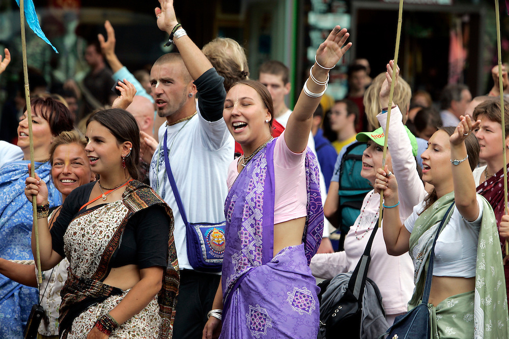 GERMANY - BERLIN - Hare Krishna on the Kurfu?rstendamm. PHOTO GERRIT DE HEUS