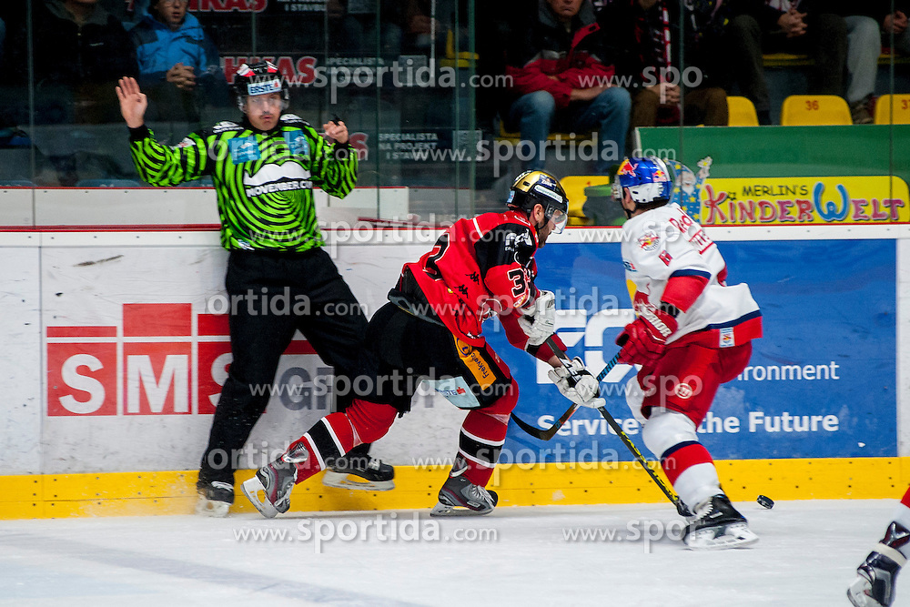 27.11.2016, Ice Rink, Znojmo, CZE, EBEL, HC Orli Znojmo vs EC Red Bull Salzburg, 24. Runde, im Bild v.l. Peter Pucher (HC Orli Znojmo) Alexander Pallestrang (EC Red Bull Salzburg) // during the Erste Bank Icehockey League 24th round match between HC Orli Znojmo and EC Red Bull Salzburg at the Ice Rink in Znojmo, Czech Republic on 2016/11/27. EXPA Pictures © 2016, PhotoCredit: EXPA/ Rostislav Pfeffer