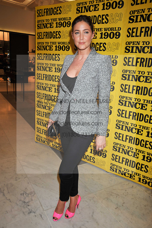 LISA SNOWDON at the launch of Tom Parker Bowles's new book 'Full English' held in the Gallery Restaurant, Selfridges, Oxford Street, London on 9th September 2009.