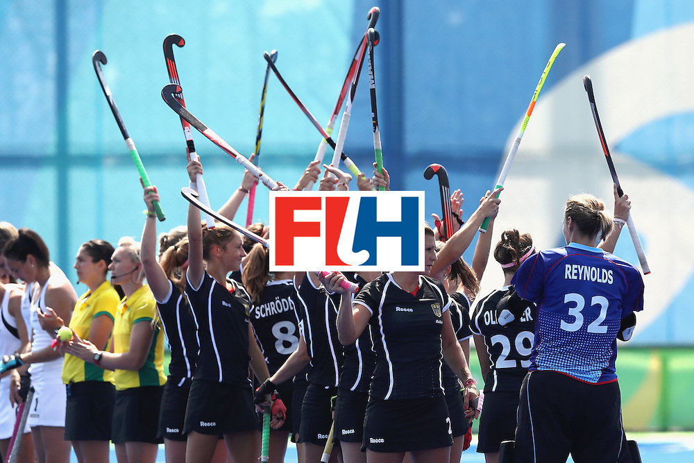 RIO DE JANEIRO, BRAZIL - AUGUST 19:  Germany raises their sticks prior to the Women's Bronze Medal Match against New Zealand on Day 14 of the Rio 2016 Olympic Games at the Olympic Hockey Centre on August 19, 2016 in Rio de Janeiro, Brazil.  (Photo by David Rogers/Getty Images)