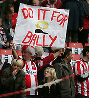 Photo: Lee Earle.<br /> Southampton v Derby County. Coca Cola Championship. Play Off Semi Final, 1st Leg. 12/05/2007.A Southampton fan flys a flag in memory of Alan Ball.