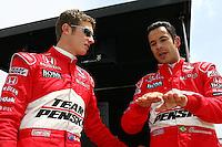 Ryan Briscoe, Helio Castroneves, Road Runner Turbo Indy 300, Kansas Speedway, Kansas City, KS USA 27/4/08