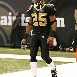 2007 December, 2: New Orleans Saints running back Reggie Bush (25) walks onto the field during a 27-23 win by the Tampa Bay Buccaneers over the New Orleans Saints at the Louisiana Superdome in New Orleans, LA.