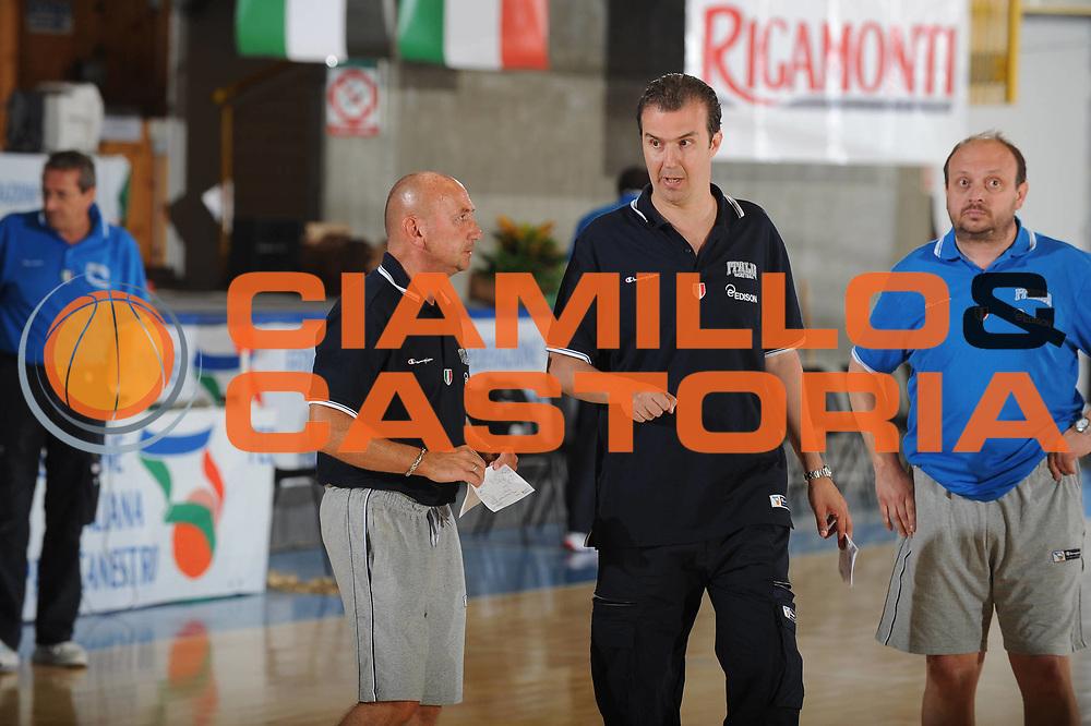 DESCRIZIONE : Bormio Raduno Collegiale Nazionale Italiana Maschile Allenamento<br /> GIOCATORE : Coach Simone Pianigiani Luca Dalmonte Andrea Capobianco<br /> SQUADRA : Nazionale Italia Uomini <br /> EVENTO : Raduno Collegiale Nazionale Italiana Maschile <br /> GARA : <br /> DATA : 30/06/2010 <br /> CATEGORIA : <br /> SPORT : Pallacanestro <br /> AUTORE : Agenzia Ciamillo-Castoria/GiulioCiamillo<br /> Galleria : Fip Nazionali 2010 <br /> Fotonotizia : Bormio Raduno Collegiale Nazionale Italiana Maschile Allenamento<br /> Predefinita :