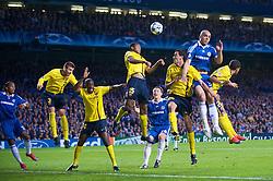 LONDON, ENGLAND - Wednesday, May 6, 2009: Chelsea's Alex and Barcelona's Seydou Keita during the UEFA Champions League Semi-Final 2nd Leg match at Stamford Bridge. (Photo by David Rawcliffe/Propaganda)