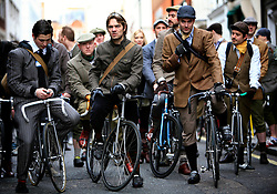 UK ENGLAND LONDON 24JAN09 - Start of the Tweed Bicycle Race at the Huntsman Tailors in Saville Row, Mayfair, central London. Well over 150 cyclists dressed in Tweed coats, hats and costumes turned out for the first event of its kind in London...jre/Photo by Jiri Rezac..© Jiri Rezac 2009
