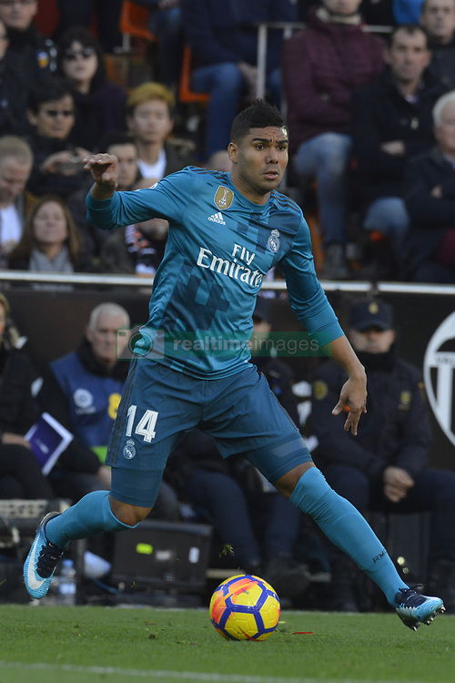 January 27, 2018 - Valencia, Spain - Casemiro during the match between Valencia CF against Real Madrd, week 21 of La Liga 2017/187 at Mestala stadium, Valencia, SPAIN - 27th January of 2018. (Credit Image: © Jose Breton/NurPhoto via ZUMA Press)