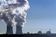 Tyn nad Vltavou/Tschechische Republik, CZE, 11.12.06: Entweichende Dampfschwaden aus den Kühltürmen des Atomkraftwerks Temelin in der Süd-Böhmischen Landschaft.<br /> <br /> Tyn nad Vltavou/Czech Republic, CZE, 11.12.06: South Bohemia landscape with view on exhalation of Temelin NPS cooling towers.