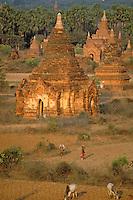 Myanmar (ex Birmanie), Province de Mandalay, Site de Pagan ou Bagan, Patrimoine mondial UNESCO // Myanmar (Burma), Mandalay Province, Pagan or Bagan, Unesco world heritage