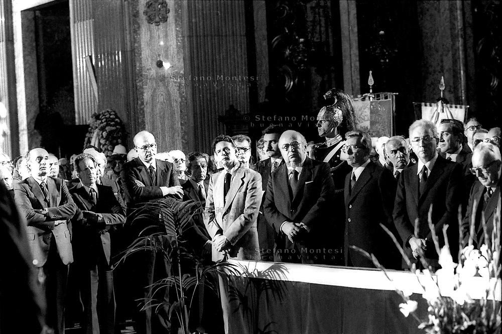 Roma Giugno 1984  . I funerali di Toni Bisaglia politico della Democrazia Cristiana morto dopo che è scivolato in mare  dal suo yacht Rosalù  Il 26 Giugno 1984 alla chiesa del Gesù in piazza del Gesù..I leader politici al funerale.