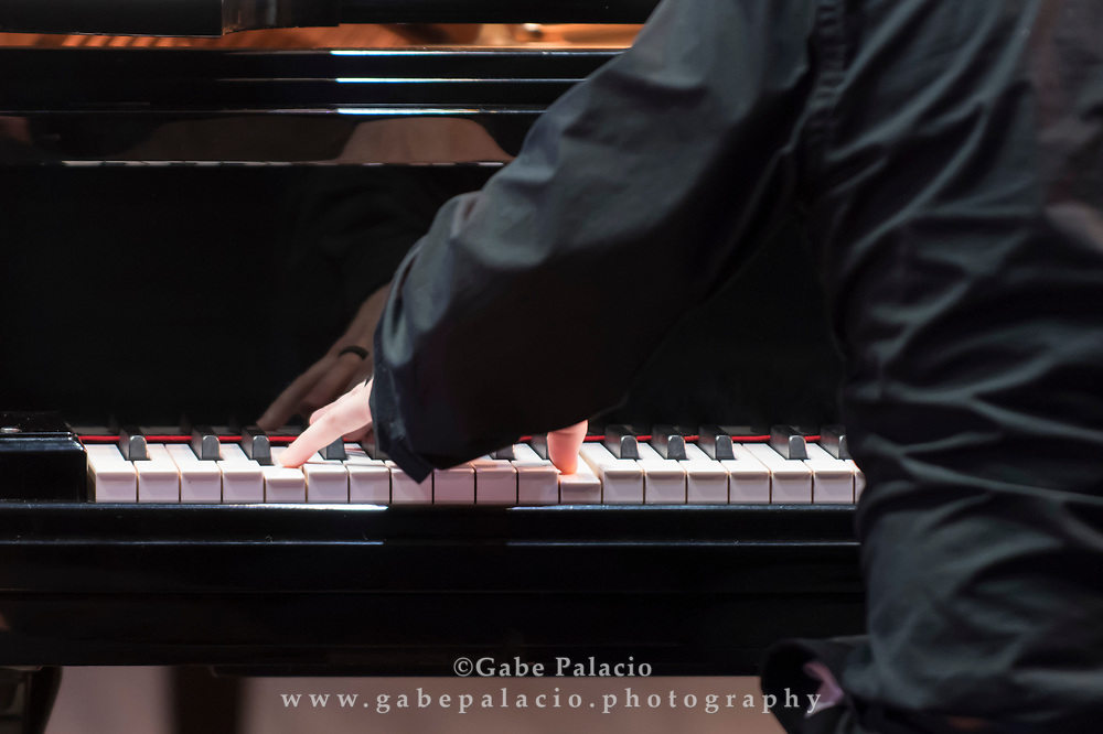 Edward Arron &amp; Friends featuring Andrew Armstrong, piano, Jeewon Park, piano, Jesse Mills, violin, Arnaud Sussmann, violin and viola, Max Mandel, viola, Edward Arron, cello, and Shawn Conley, double bass, perform in the Venetian Theater at Caramoor in Katonah New York on June 23, 2017. <br /> (photo by Gabe Palacio)