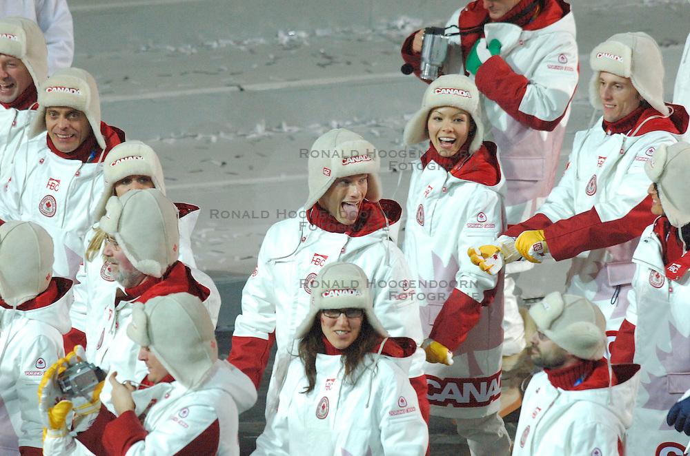 10-02-2006 ALGEMEEN: OLYMPISCHE SPELEN: TORINO<br /> Openingsceremonie OS 2006 / Canada<br /> &copy;2006-WWW.FOTOHOOGENDOORN.NL