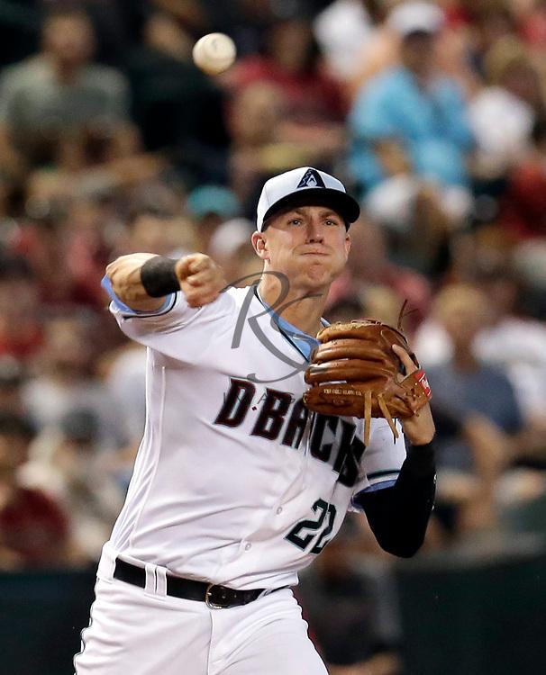 Arizona Diamondbacks third baseman Jake Lamb (22) in the first inning during a baseball game against the New York Mets, Sunday, June 17, 2018, in Phoenix. (AP Photo/Rick Scuteri)