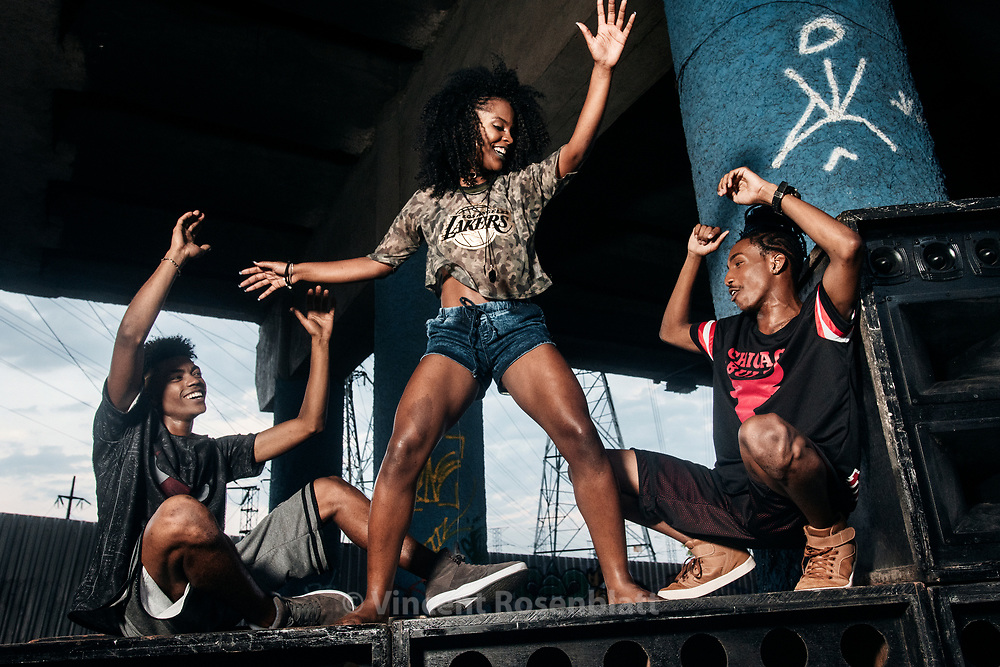 Passinho funk dancers Ronald Sheick (left), Jonathan Neguebites (right) and Celyy IDD. Baile Funk essay for C&A Brazil and their NBA collection, shot in Madureira, North Zone of Rio de Janeiro.