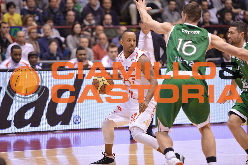 DESCRIZIONE :  Milano Lega A 2012-13 EA7 Emporio Armani Milano Montepaschi Siena<br /> GIOCATORE : Bremer Jr Ernest <br /> CATEGORIA : palleggio marketing<br /> SQUADRA : EA7 Emporio Armani Milano <br /> EVENTO : Campionato Lega A 2012-2013 <br /> GARA : EA7 Emporio Armani Milano Montepaschi Siena<br /> DATA : 03/03/2013<br /> SPORT : Pallacanestro <br /> AUTORE : Agenzia Ciamillo-Castoria/GiulioCiamillo<br /> Galleria : Lega Basket A 2012-2013  <br /> Fotonotizia : Milano Lega A 2012-13 EA7 Emporio Armani Milano Montepaschi Siena<br /> Predefinita :
