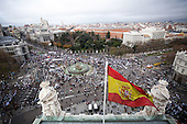 Thousands of people march in Madrid to protest plans to privatize public health services
