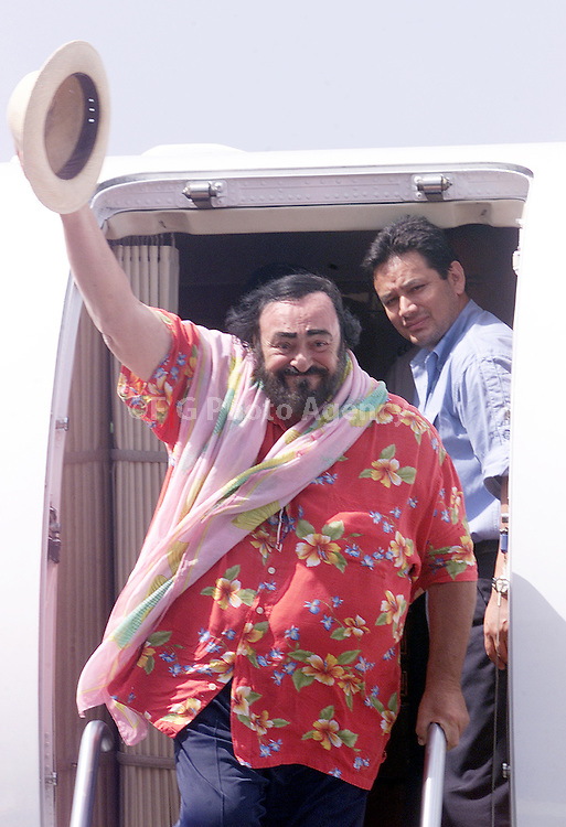 3/24/02. Luciano Pavarotti arrives on San Juan, Puerto Rico