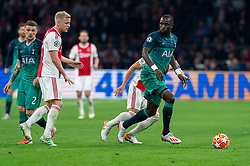 08-05-2019 NED: Semi Final Champions League AFC Ajax - Tottenham Hotspur, Amsterdam<br /> After a dramatic ending, Ajax has not been able to reach the final of the Champions League. In the final second Tottenham Hotspur scored 3-2 / Donny van de Beek #6 of Ajax, Moussa Sissoko #17 of Tottenham Hotspur