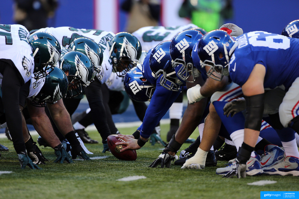 The line of scrummage during the New York Giants V Philadelphia Eagles NFL American Football match at MetLife Stadium, East Rutherford, NJ, USA. 30th December 2012. Photo Tim Clayton