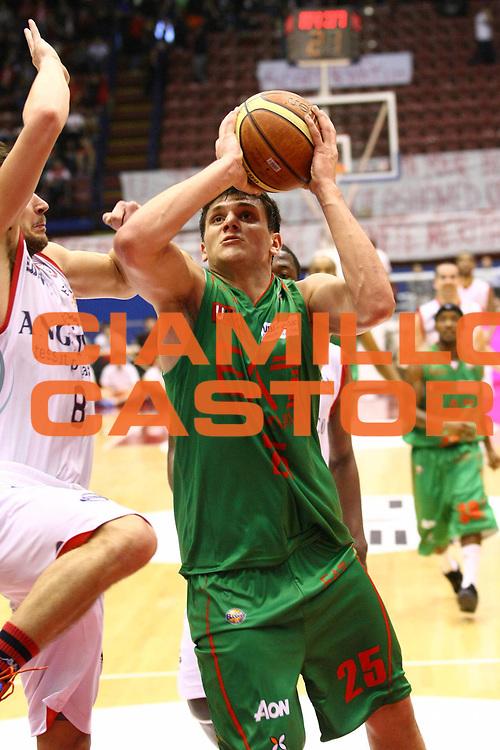DESCRIZIONE : Milano Lega A 2012-13 Ea7 Emporio Armani Milano Angelico Biella<br /> GIOCATORE : Alessandro Gentile<br /> CATEGORIA : Tiro<br /> SQUADRA : Ea7 Emporio Armani Milano<br /> EVENTO : Campionato Lega A 2012-2013<br /> GARA : Ea7 Emporio Armani Milano Angelico Biella<br /> DATA : 21/04/2013<br /> SPORT : Pallacanestro <br /> AUTORE : Agenzia Ciamillo-Castoria/G.Cottini<br /> Galleria : Lega Basket A 2012-2013  <br /> Fotonotizia : Milano Lega A 2012-13 Ea7 Emporio Armani Milano Angelico Biella<br /> Predefinita :