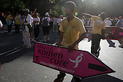 13 September 2009- NY, NY Atmosphere at The  at the annual Komen New York City Race for the Cure held at West 77th Street and Central Park West on September 13, 2009 in New York City.  Photo credit: Terrence Jennings/Sipa Press