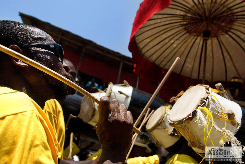 Men from the #4 Asafo company play drums while following their chief during the parade held on the occasion of the annual Oguaa Fetu Afahye Festival in Cape Coast, Ghana on Saturday September 6, 2008.