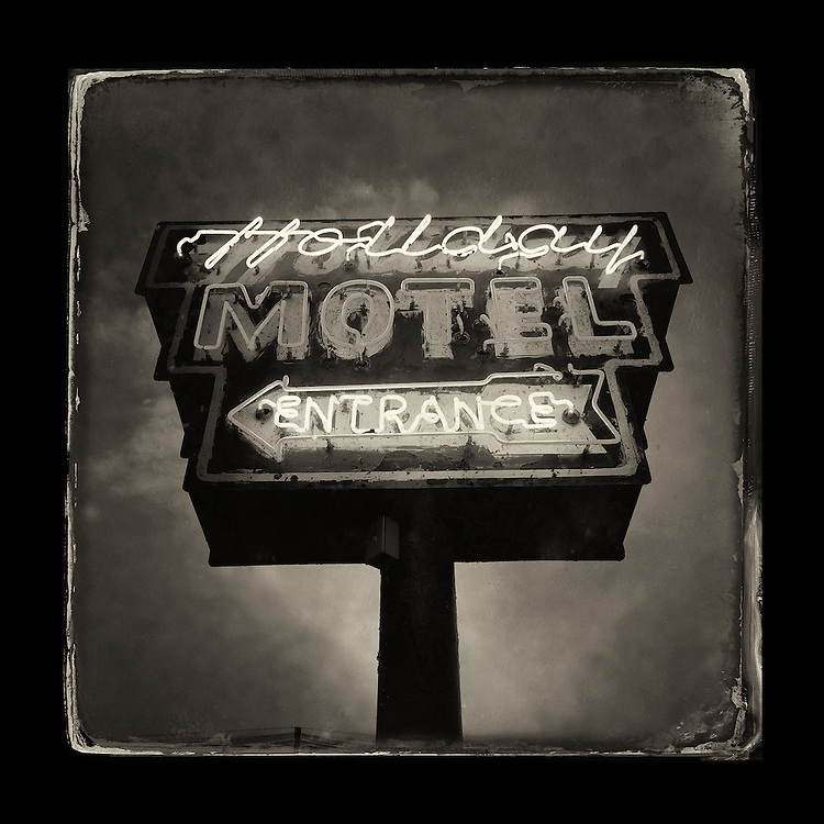 "Charles Blackburn image of the Holiday Motel sign in Sturgeon Bay, WI. 5x5"" print."