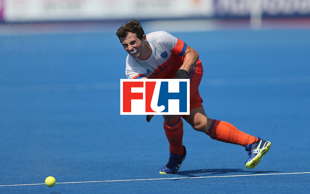 LONDON, ENGLAND - JUNE 19:  Sander Baart of the Netherlands during the Hero Hockey World League Semi-Final match between Netherlands and Canada at Lee Valley Hockey and Tennis Centre on June 19, 2017 in London, England.  (Photo by Alex Morton/Getty Images)
