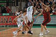 DESCRIZIONE : Treviso Lega A 2011-12 Umana Venezia Benetton Basket Treviso <br /> GIOCATORE : andrea de nicolao<br /> CATEGORIA :  palleggio blocco<br /> SQUADRA : Umana Venezia Benetton Basket Treviso <br /> EVENTO : Campionato Lega A 2011-2012<br /> GARA : Umana Venezia Benetton Basket Treviso <br /> DATA : 28/04/2012<br /> SPORT : Pallacanestro<br /> AUTORE : Agenzia Ciamillo-Castoria/M.Gregolin<br /> Galleria : Lega Basket A 2011-2012<br /> Fotonotizia :  Treviso Lega A 2011-12 Umana Venezia Benetton Basket Treviso <br /> Predefinita :
