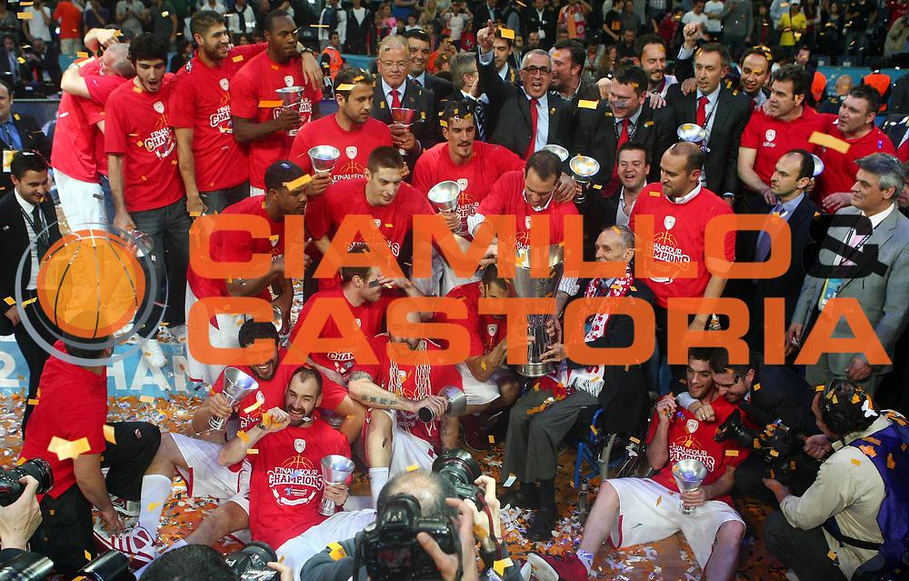 DESCRIZIONE : Istanbul Eurolega Eurolegue 2011-12 Final Four Finale Final CSKA Moscow Olympiacos<br /> GIOCATORE :<br /> SQUADRA : Olympiacos<br /> EVENTO : Eurolega 2011-2012<br /> GARA : CSKA Moscow Olympiacos<br /> DATA : 13/05/2012<br /> CATEGORIA : esultanza<br /> SPORT : Pallacanestro<br /> AUTORE : Agenzia Ciamillo-Castoria<br /> Galleria : Eurolega 2011-2012<br /> Fotonotizia : Istanbul Eurolega Eurolegue 2010-11 Final Four Finale Final CSKA Moscow Olympiacos<br /> Predefinita :