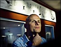 Fotball<br /> Danmark<br /> 09.01.2006<br /> Foto: Polfoto/Digitalsport<br /> NORWAY ONLY<br /> <br /> Ståle Solbakken tilbragte mandag en del af sin første arbejdsdag som cheftræner for FC København med at tale med journalister. Sportsligt trakterede nordmanden med en løbetur rundt om Damhussøen for FCK-spillerne