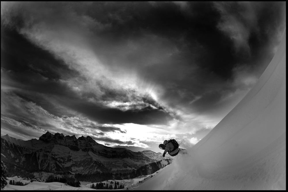 Rider: Cyril Neri.Location: Les Portes du Soleil (Switzerland)