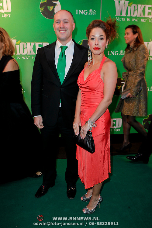 NLD/Scheveningen/20111106 - Premiere musical Wicked, Suzanne Seegers en .................