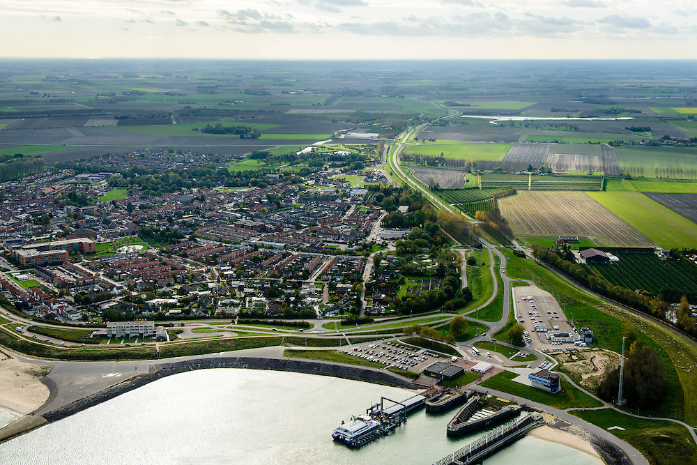 Nederland, Zeeland, Breskens, 19-10-2014; Zicht op de Veerhaven met Fast Ferry Vlissingen-Breskens (Veolia Fast Ferries Fietsvoetveer).<br /> Port of Breskens, ferry terminal.<br /> luchtfoto (toeslag op standard tarieven);<br /> aerial photo (additional fee required);<br /> copyright foto/photo Siebe Swart