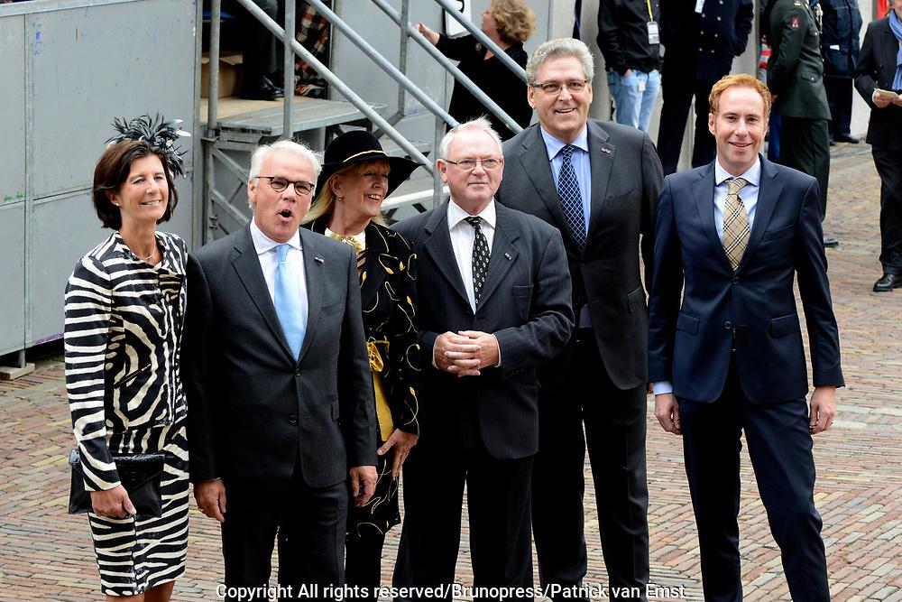 Prinsjesdag 2013 - Aankomst Parlementari&euml;rs bij de Ridderzaal op het Binnenhof.<br /> <br /> Op de foto:  Henk Krol met zijn fractie van de 50 plus partij