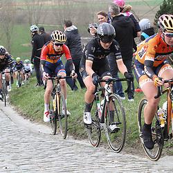 25-02-2017: Wielrennen: Omloop Het Nieuwsblad: Gent  <br />GENT (BEL) wielrennen  <br />On the Paterberg climb Amy Pieters, Elisa  Longo Borghini; Megan Gaunier