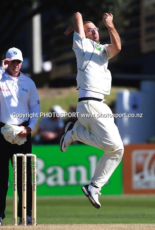 New Zealand captain Daniel Vettori bowling on Day 2 of the 2nd test match.  New Zealand Black Caps v Pakistan, Test Match Cricket. Basin Reserve, Wellington, New Zealand. Sunday 16 January 2011. Photo: Andrew Cornaga/photosport.co.nz