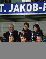 Robert Federer, Roger Federer und Yvette Federer waehrend des Spiels (Andreas Meier/EQ Images)