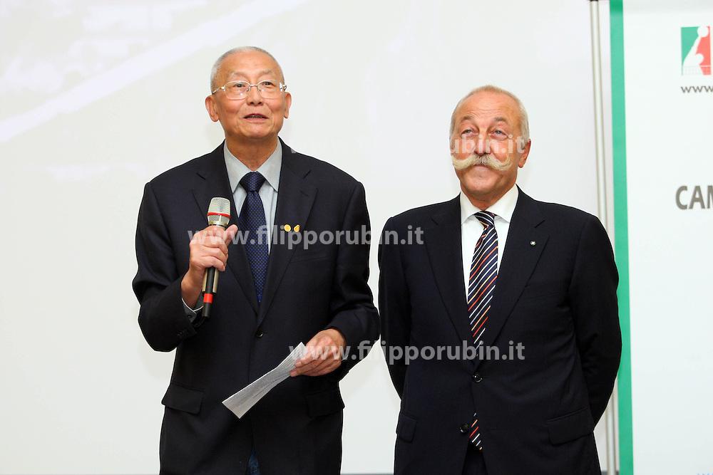 IL PRESIDENTE FIVB JINZHONG WEI CON DIEGO MOSNA.PRESENTAZIONE 66° CAMPIONATO PALLAVOLO MASCHILE SERIE A.ROMA 07-10-2010.FOTO GALBIATI - RUBIN