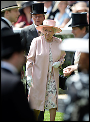 Image ©Licensed to i-Images Picture Agency. 21/06/2014. Ascot, United Kingdom. HM The Queen arrives for Day 5 of Royal Ascot. Ascot Racecourse. Picture by Andrew Parsons / i-Images