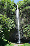 Vaiharuru Falls, Papenoo Valley, Island of Tahiti, French Polynesia<br />