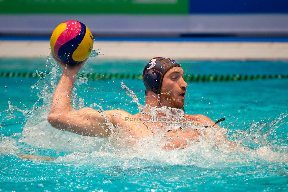 21-01-2012 WATERPOLO: EC NETHERLANDS - TURKEY: EINDHOVEN<br /> European Championships Netherlands - Turkey / Tjerk Kramer<br /> (c)2012-FotoHoogendoorn.nl / Peter Schalk
